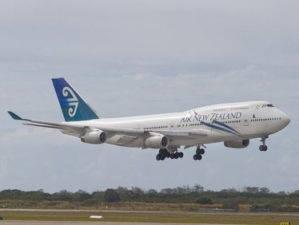 Air New Zealand Jet With More Than 100 Aboard Makes Emergency Landing