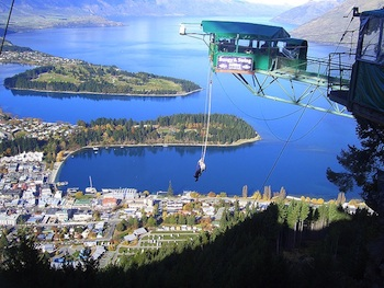 Bungy jumping at Queenstown (Source: Wikimedia Commons.)