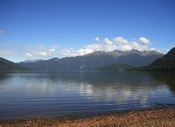 Lake Hauroko (Source: Wikimedia Commons.)