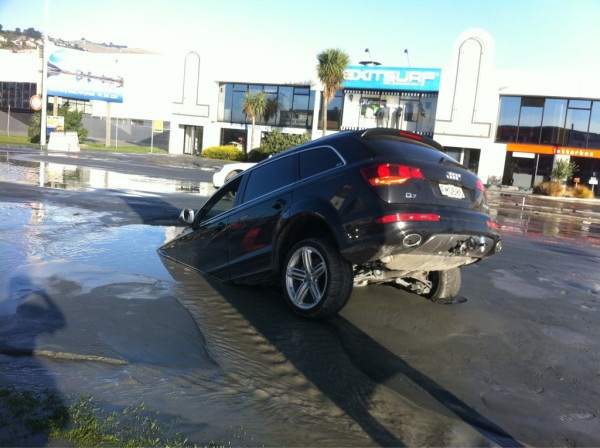 car_in_liquefaction