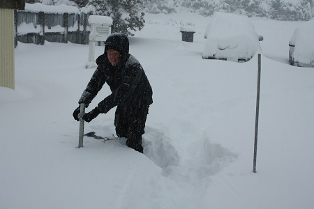 Snow measurements at NIWA's Tekapo field office, morning of 20 June, 2013. (Credit: H. McDermott)