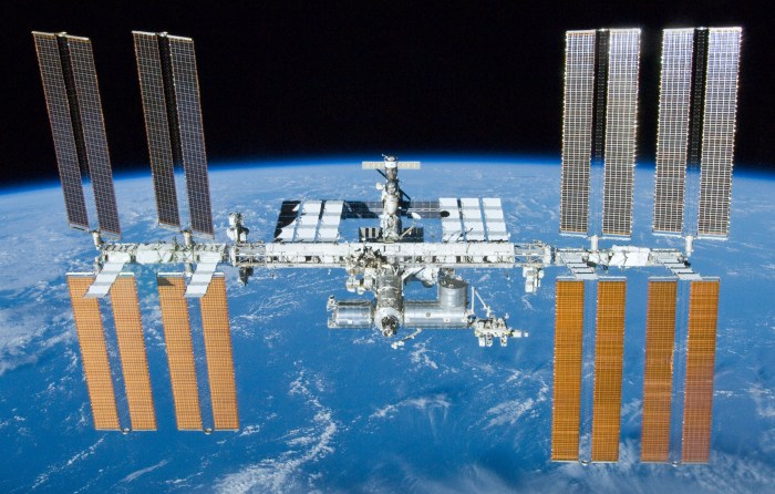 International_Space_Station_after_undocking_of_STS-132