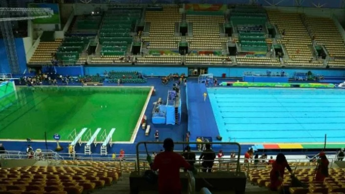 Featured image: The science behind Rio's green Olympic pool