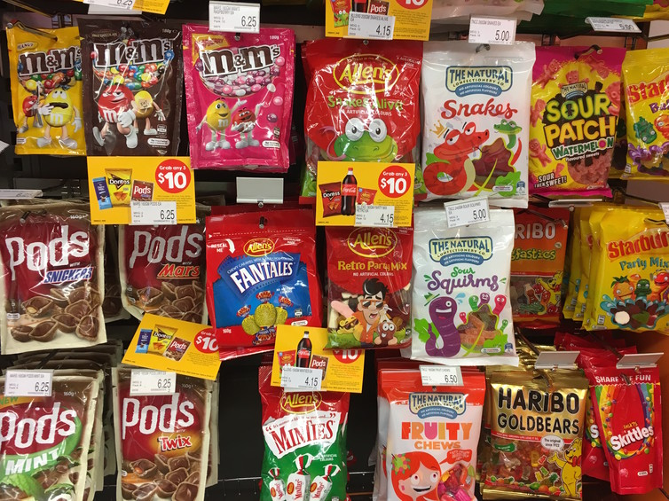 Featured image: Junk food packaging hijacks the same brain processes as drug and alcohol addiction