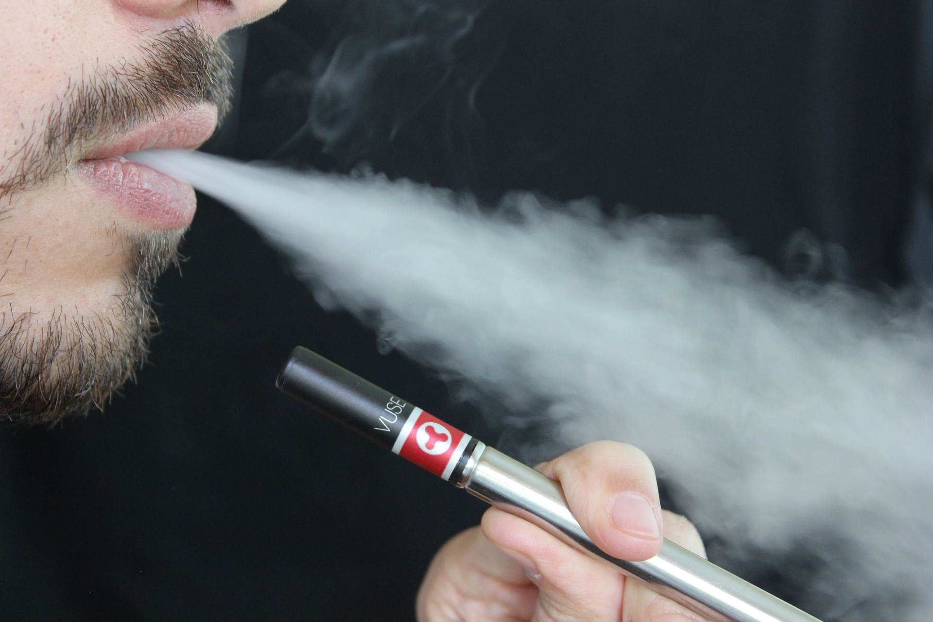 Image: Rise in e-cigarettes linked to rise in smokers quitting