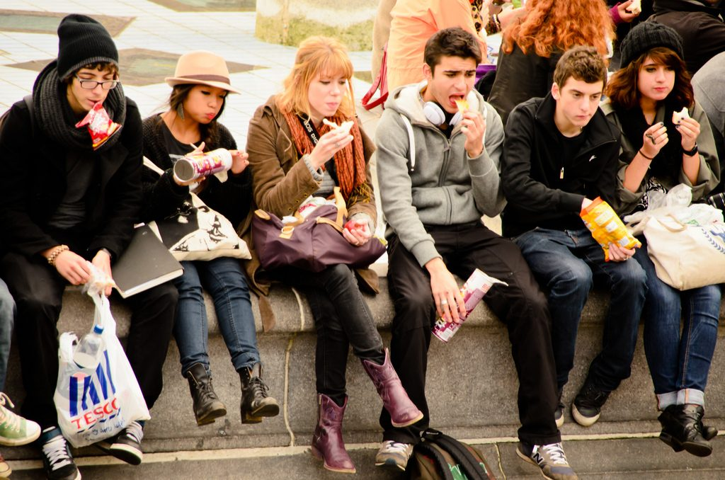 teens eating food