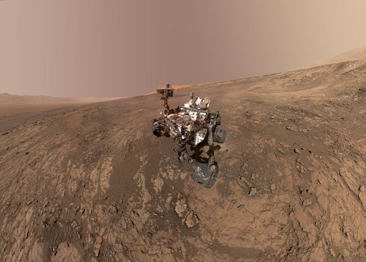 Featured image: Rover detects ancient organic material on Mars – and it could be trace of past life