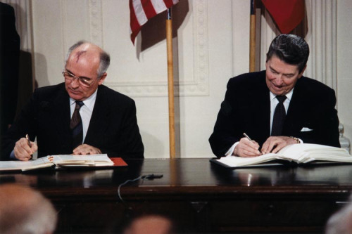 Featured image: Nuclear dangers if INF treaty abandoned could be worse than in the 1980s