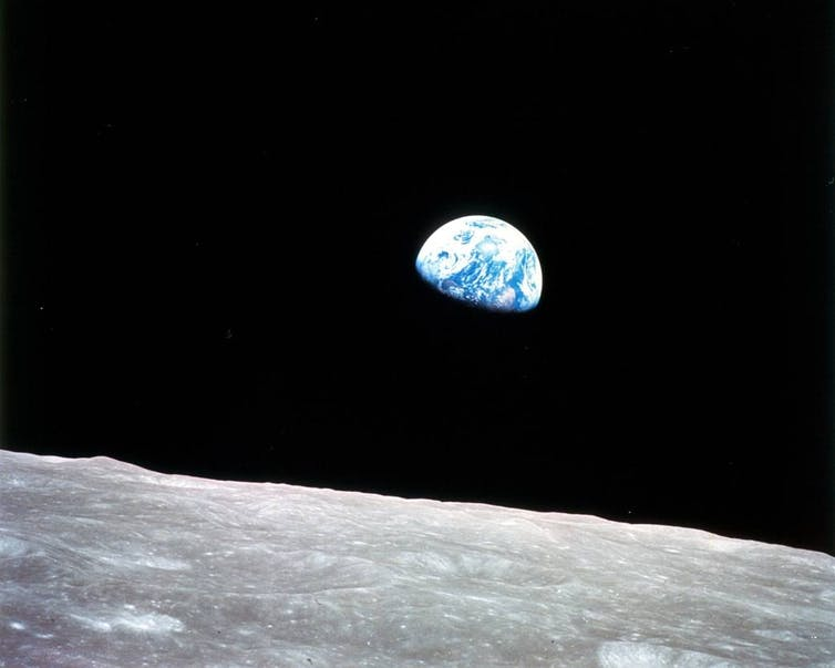 Featured image: Earthrise, a photo that changed the world