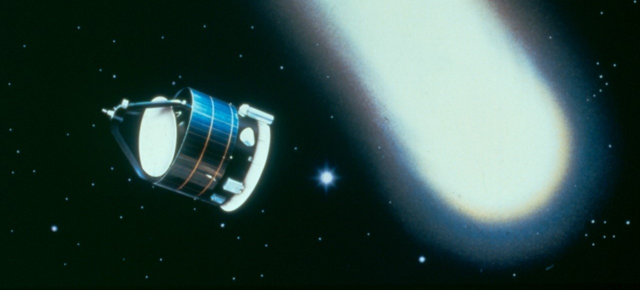 Image: Connecting comets and rubber