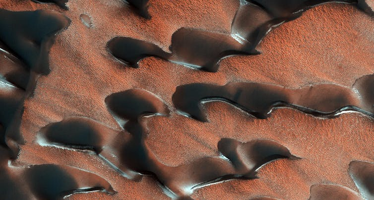 Featured image: Why Mars is cold despite an atmosphere of mostly carbon dioxide