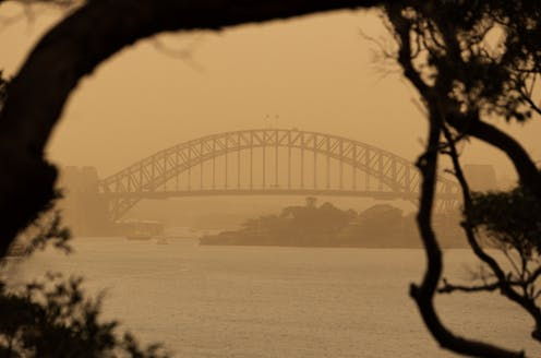 Featured image: How does poor air quality from bushfire smoke affect our health?
