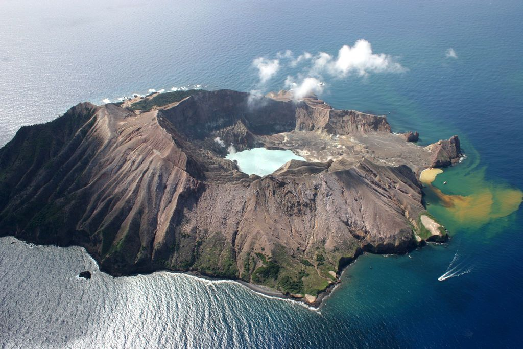 Featured image: Things to know about Whakaari/White Island