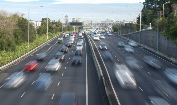 Image: Does building and expanding motorways really reduce congestion and emissions?