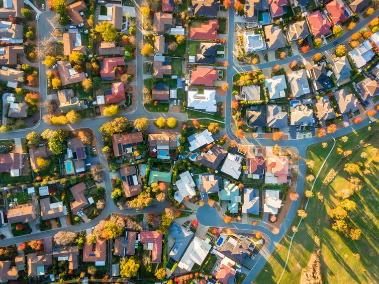 Featured image: Suburban living the worst for carbon emissions – newresearch