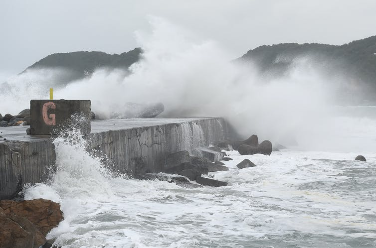 Featured image: With seas rising and storms surging, who will pay for New Zealand's most vulnerable coastalproperties?
